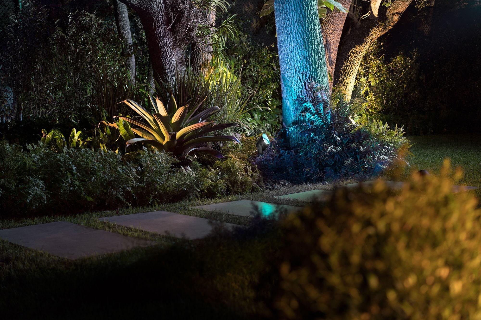 Jetzt größer und mit höherer Lichtleistung: der Gartenspot Lily XL.